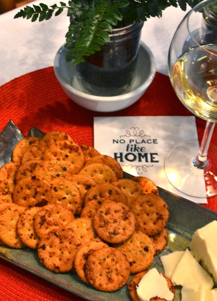 A Southern Soul | Spicy Baked Herb Crackers