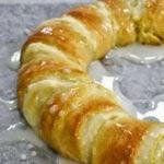 crescent roll cream cheese roll
