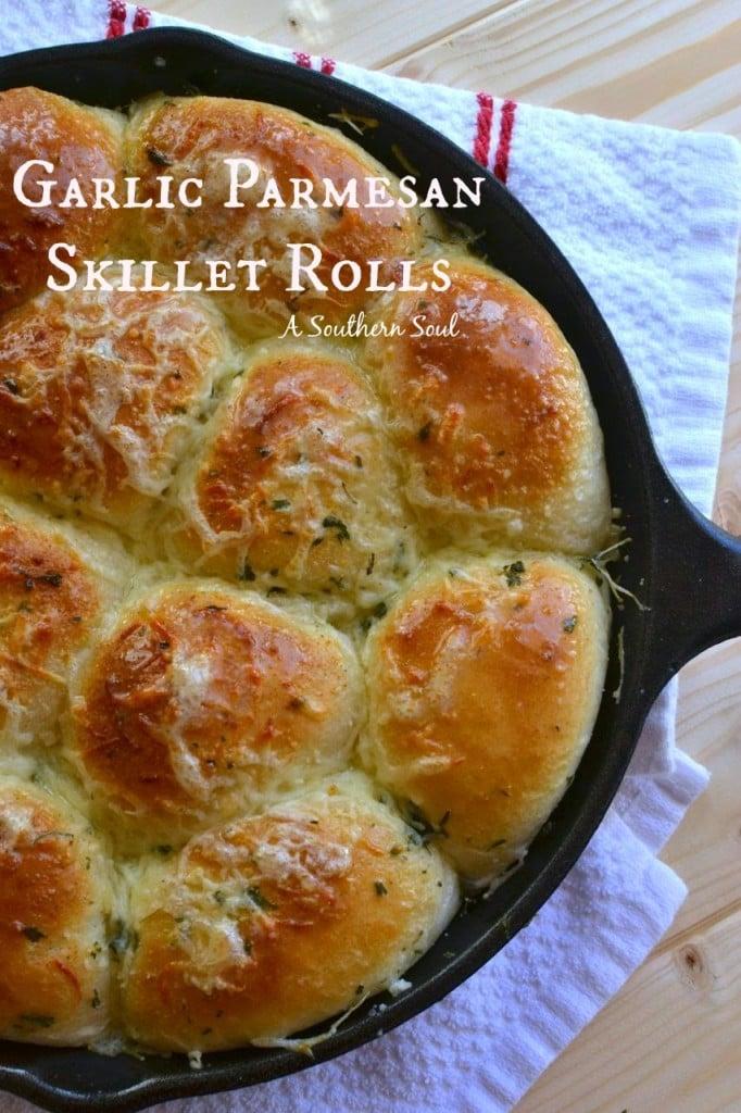 A Southern Soul | Garlic Parmesan Skillet Rolls