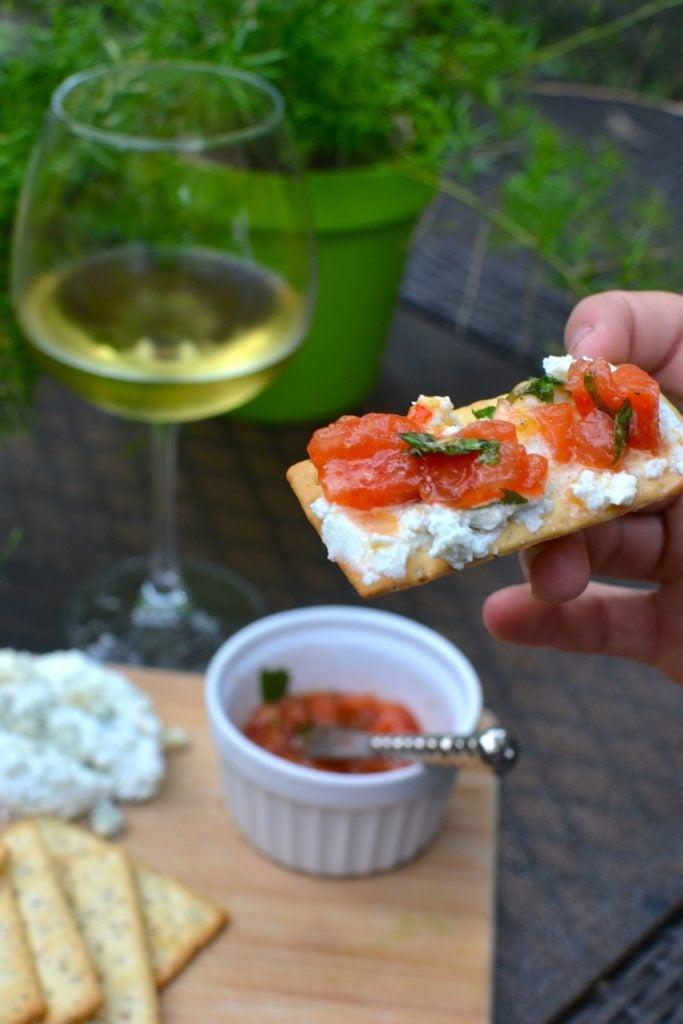 cheese & tomato cracker