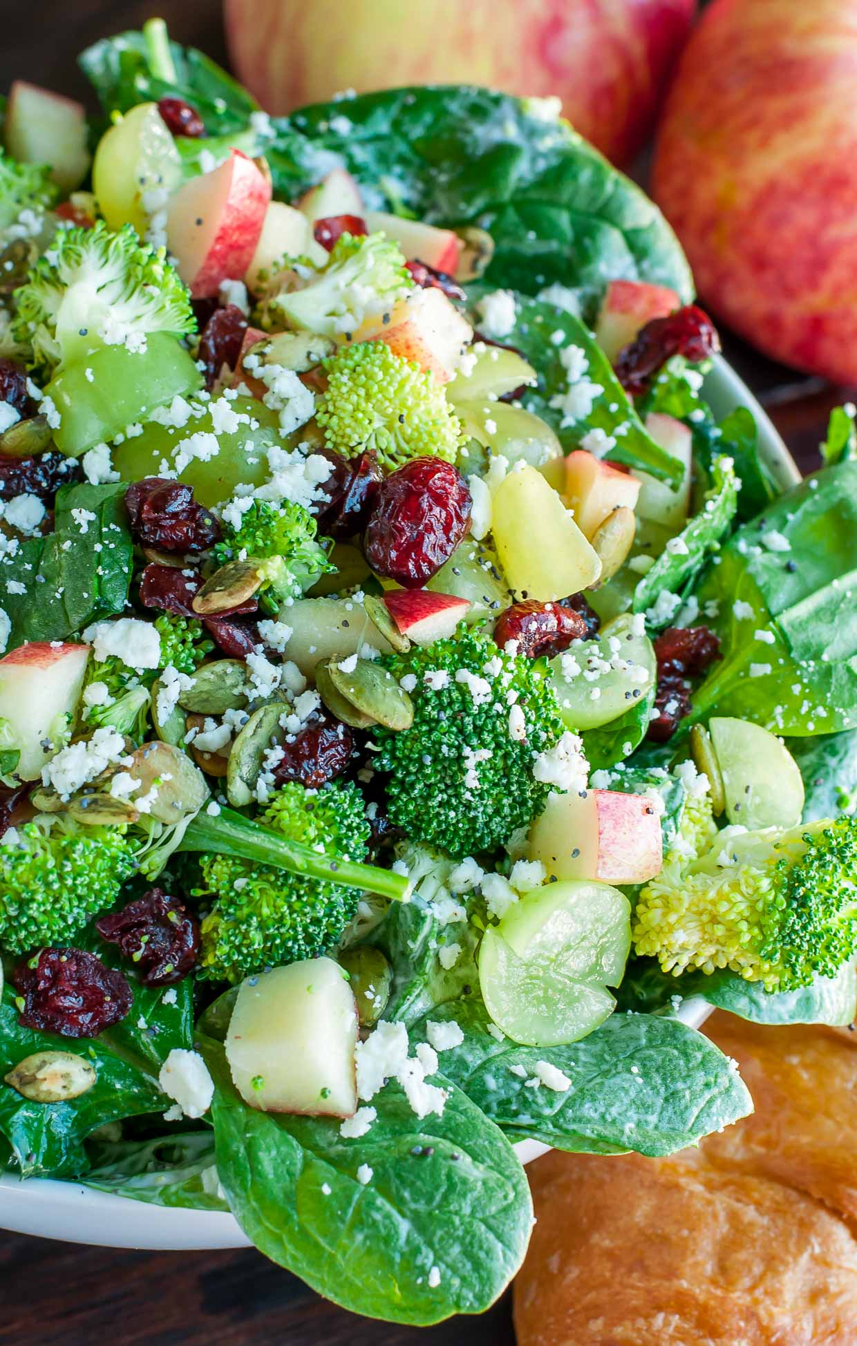 picture Spinach Pear Walnut Salad