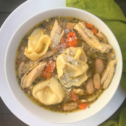 Chicken & Cheese Tortellini Tuscan Soup